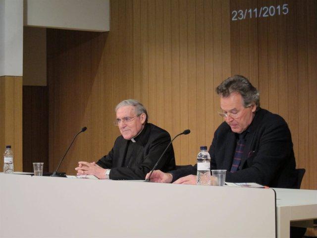 El cardenal L.Mtez.Sistach y el responsable de Ecología del Ateneu S.Vilanova