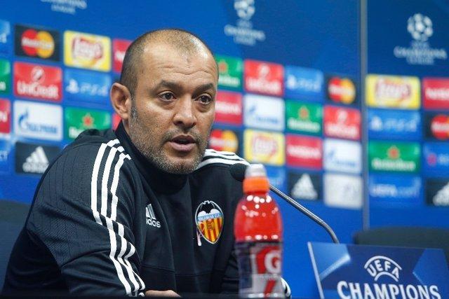 Nuno Espirito Santo en rueda de prensa en Liga de Campeones