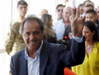 """Scioli asume la derrota """"con grandeza"""" y se ofrece para """"aportar"""" en la oposición 'kirchnerista'"""
