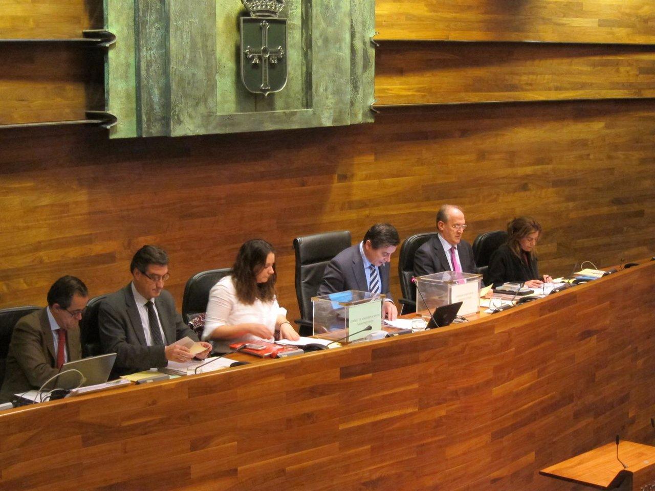 Presidencia del Pleno de la Junta.