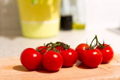 Aumentan un 15% la vitamina C del tomate a través de un gen de la fresa