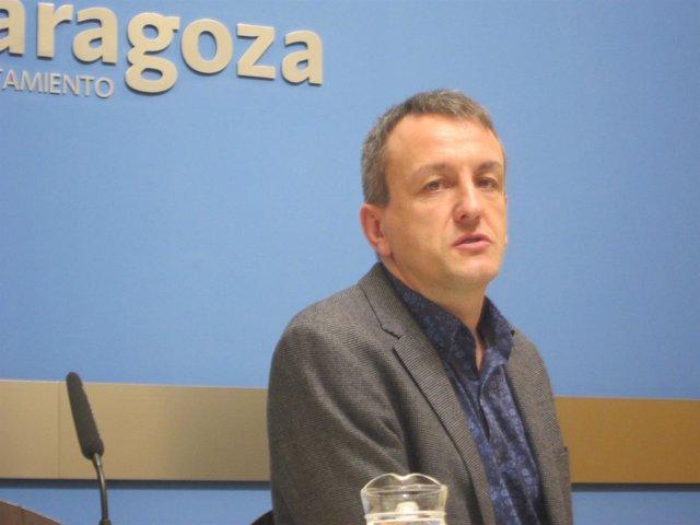 El consejero de Economía y Cultura del Ayuntamiento, Fernando Rivarés