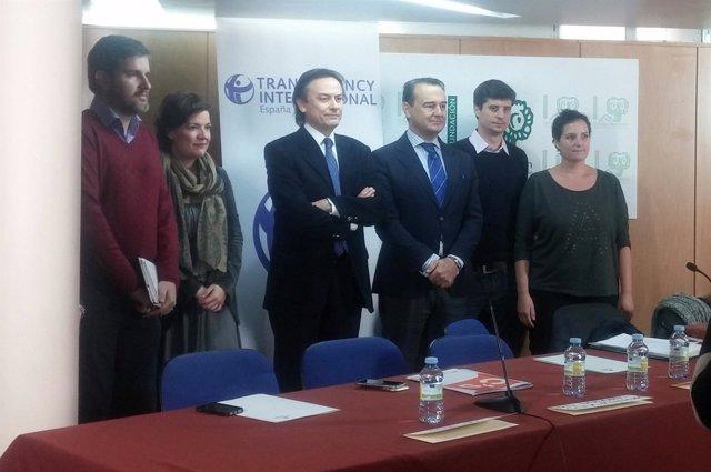 Representantes de los partidos políticos con Transparencia Internacional