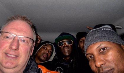 Un fan lleva a Public Enemy en su coche hasta su concierto en Sheffield