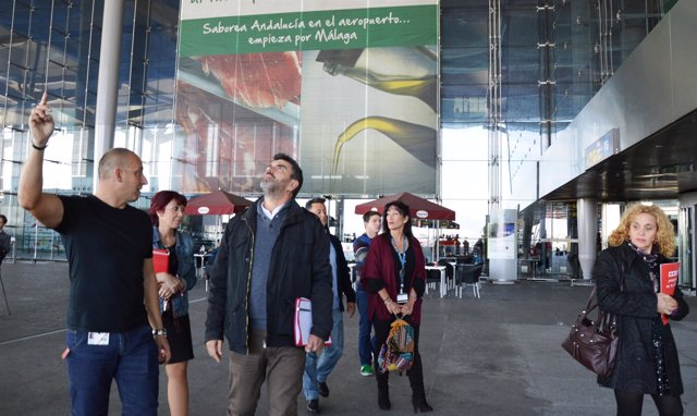 Francisco Guzmán UP-IU en el aeropuerto de Málaga