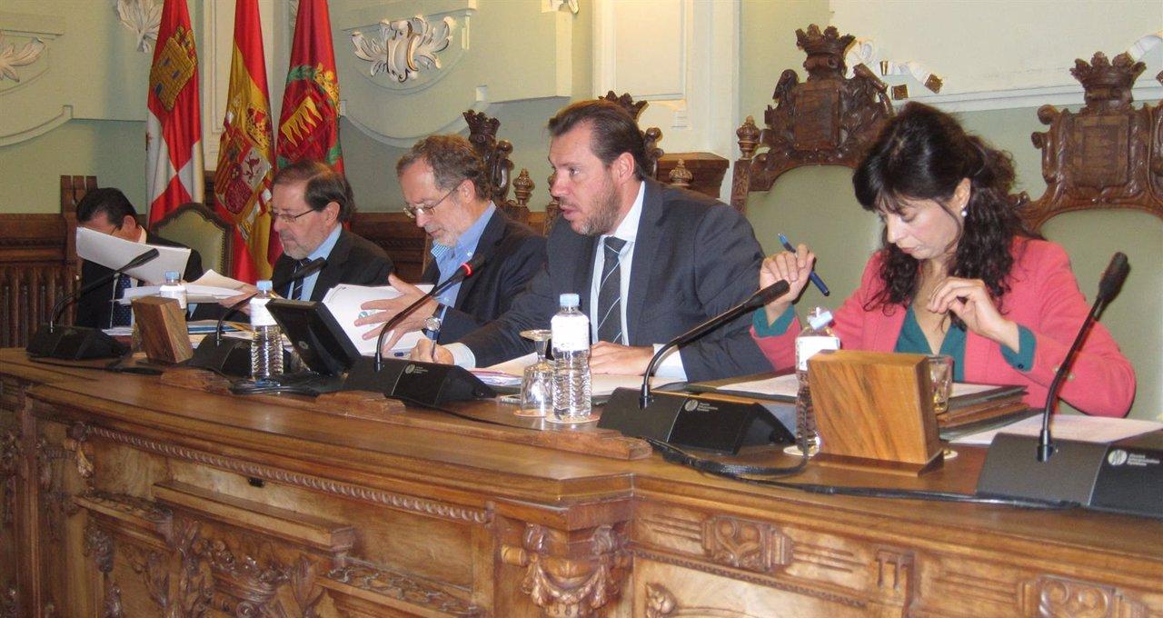 Mesa de Presidencia del Pleno de Valladolid