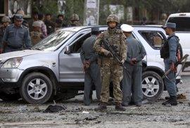 La OTAN acuerda no reducir su presencia militar en Afganistán en 2016 por el agravamiento de seguridad