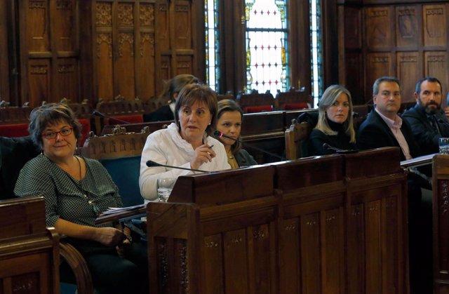 Pilar Varela en comisión