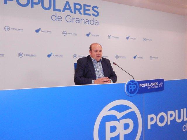 El portavoz del  PP en la Diputación provincial, José Robles.