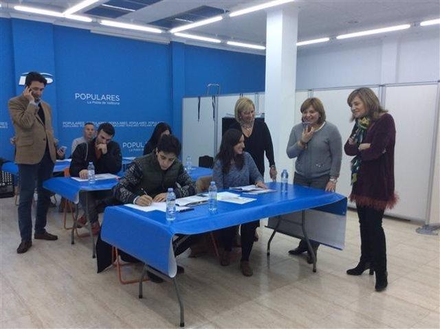 Bonig en la inauguración de la oficina de campaña de La Pobla de Vallbona