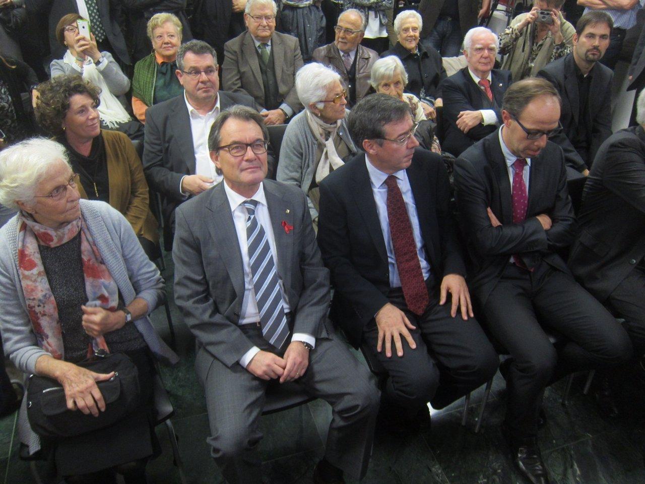 El pte.De la Generalitat, Artur Mas, y el director de CatDem, Joaquim Colominas