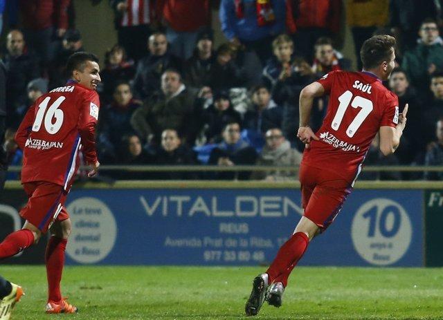 Saúl celebra el 1-2 ante el Reus