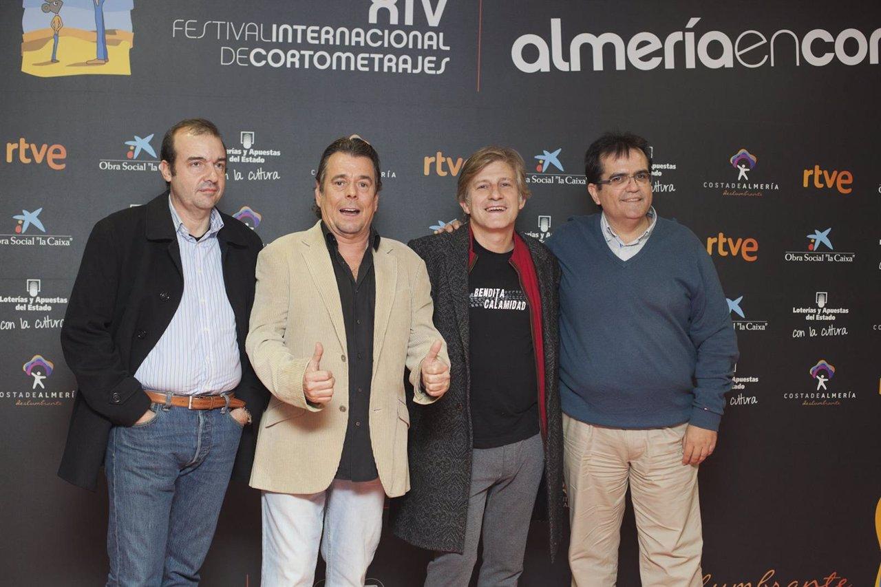 El director de 'Bendita Calamidad', Gaizka Urresti, y el actor Juan Muñoz
