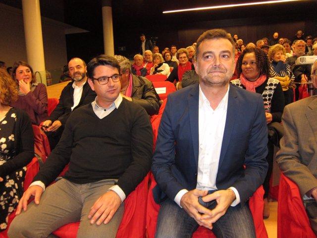 Maíllo (dcha.), junto a Pedro García, en la entrega de los premios