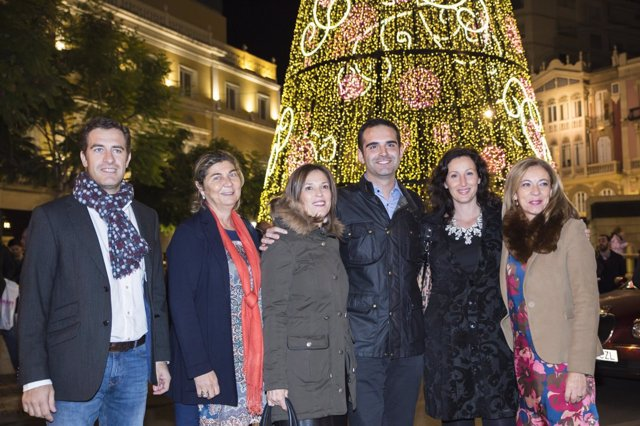 Ramón Fernández-Pacheco inaugura el alumbrado navideño