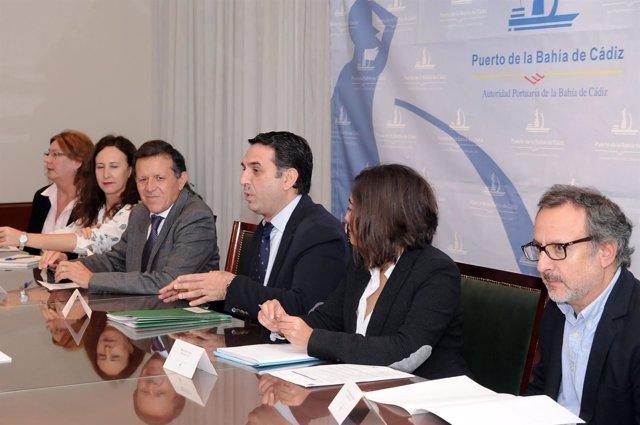 Francisco Javier Fernández en una reunión con el Observatorio de Cruceros