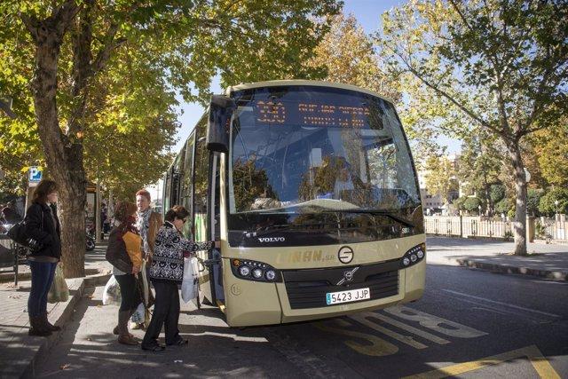Uno de los nuevos autobuses del Consorcio prestando servicio.
