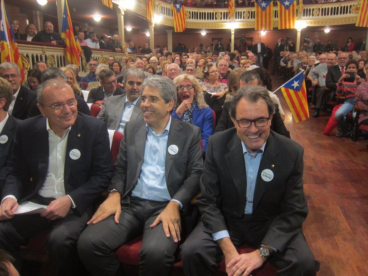 C.Pellicer, F.Homs (DL), y el presidente A.Mas