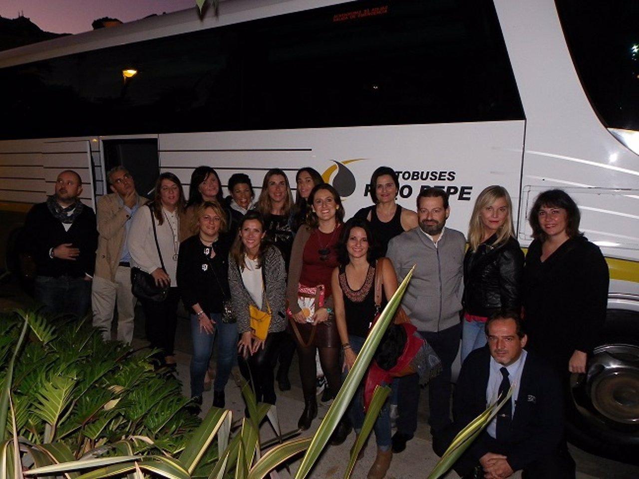 Grupo utiliza autobús del Grupo Paco Pepe