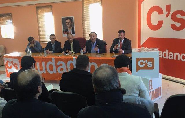 Imagen del acto de Ciudadanos celebrado este sábado en Sariegos (León)