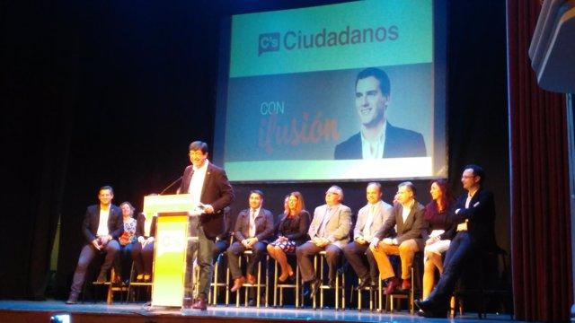 Juan Marín en Motril durante la presentación de la candidatura por Granada.