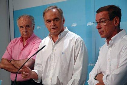 """González Pons (PP) cuestiona en Caracas la """"democracia"""" de Maduro por el cautiverio de 76 presos políticos"""