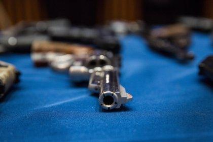 Encuentran 145 armas en la casa de un hombre que intentaba asesinar a su mujer