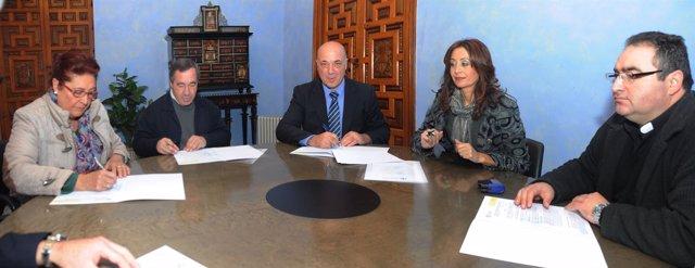 La Diputación de Córdoba firma convenios de bienestar social