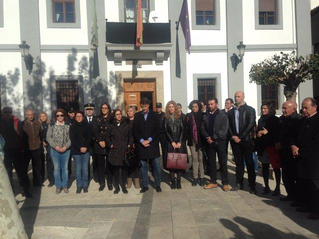 Concentración en el Ayuntamiento de Baza (Granada)