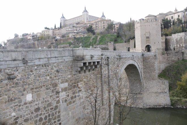 Toledo celebra la Fiesta Judía de las Luces