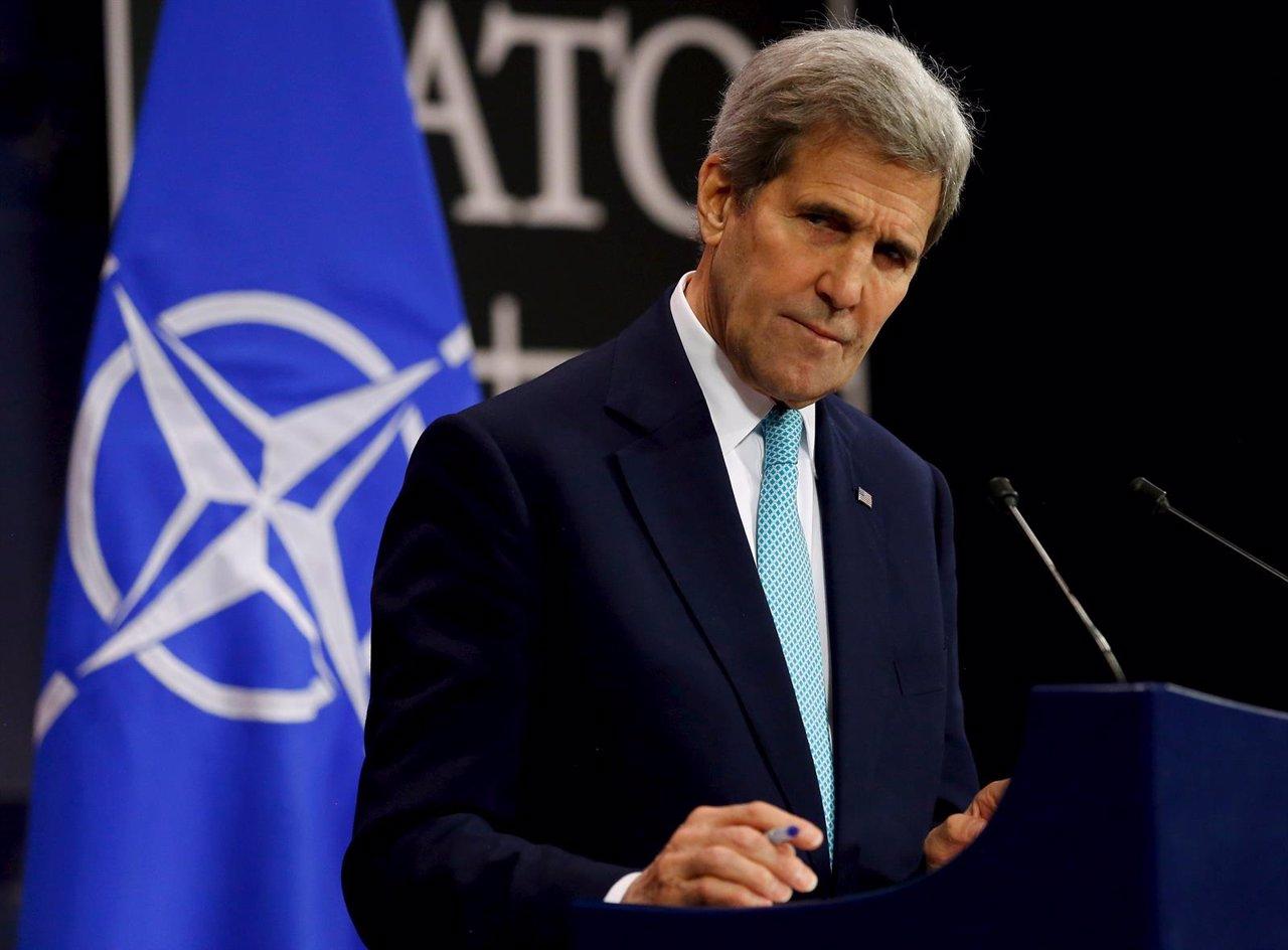 John Kerry en la OTAN