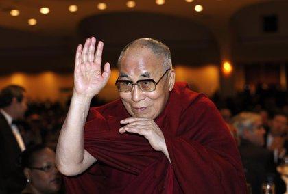"""Dalai Lama dice que """"dialogar"""" con el Estado Islámico es la única manera de lograr la paz"""