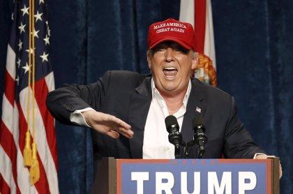 """Musulmanes de EEUU acusan a Trump de """"favorecer al Estado Islámico"""" con sus declaraciones"""