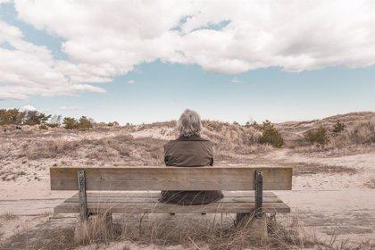Pensamientos negativos contra el envejecimiento que predisponen al Alzheimer