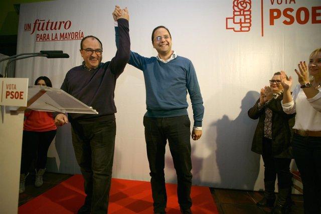 Luena (d) junto a Pedro Muñoz candidato de Ávila al Congreso