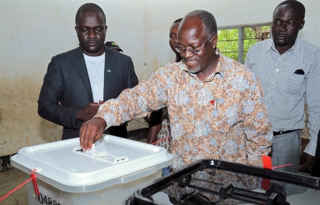 El candidato del Chama Cha Mapinduzi a la Presidencia de Tanzania, John Magufuli