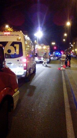 Accidente en la avenida Manuel del Valle entre un turismo y una moto