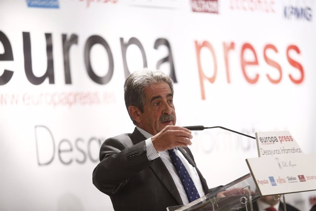 Miguel Ángel Revilla en los Desayunos de Europa Press