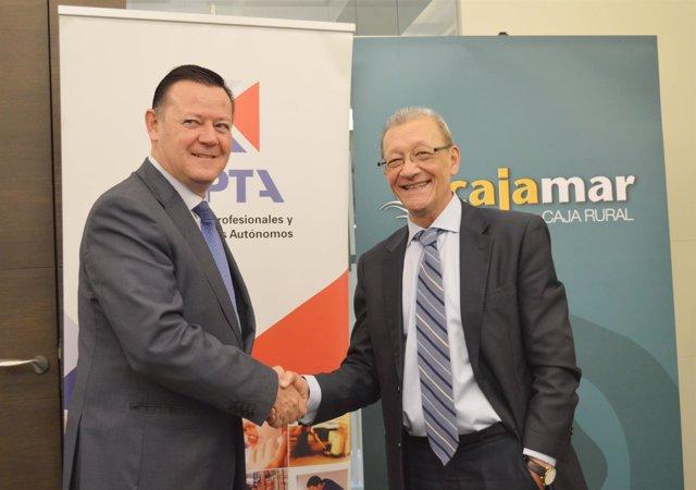 Firma de un convenio entre UPTA y Cajamar
