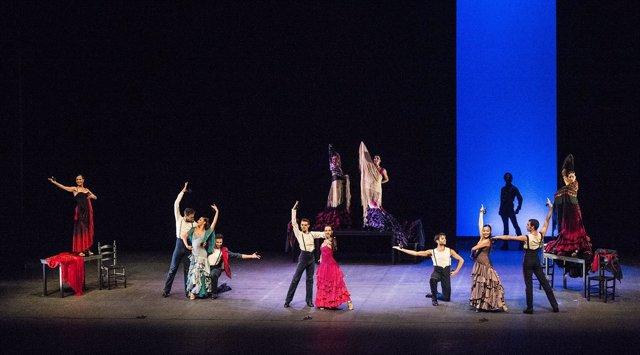 Bailarines de la compañía de Aida Gámez