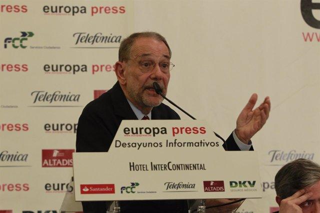 Javier Solana en un Desayuno Informativo de Europa Press