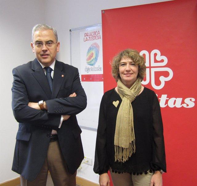 Jaime Sanaú y Cristina García han presentado la campaña de Navidad de Cáritas