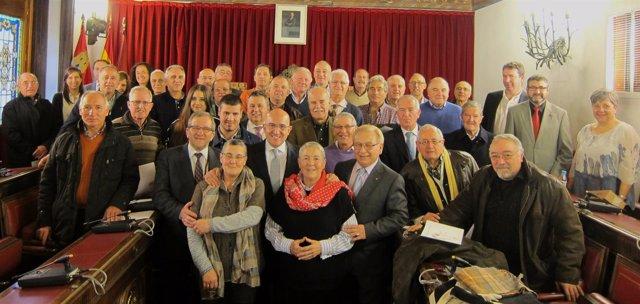 El presidente de la Diputación con los donantes más asiduos de la provincia