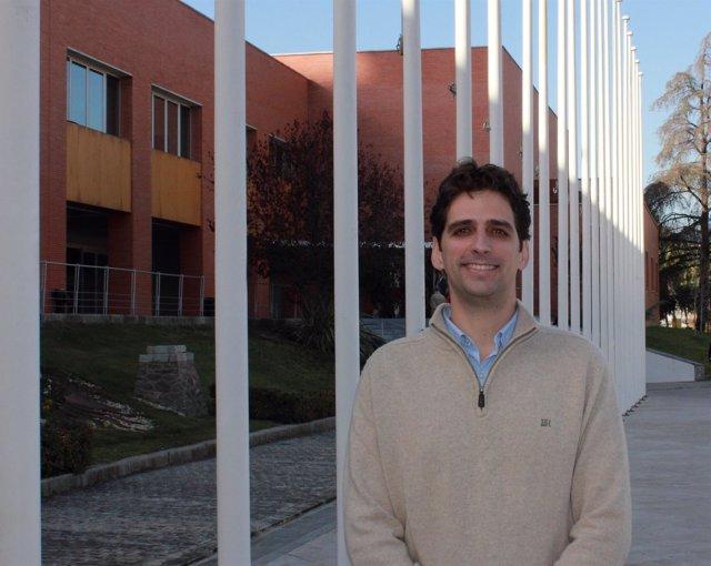 El nuevo director de la Escuela Politécnica Superior de la UPO, Norberto Díaz