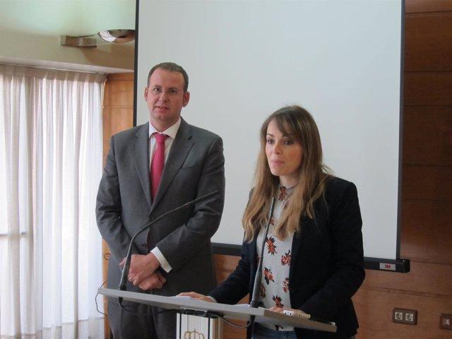 Rebeca Pérez y José Guillén, en la rueda de prensa