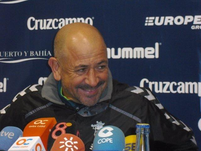 Claudio Barragán, entrenador del Cádiz