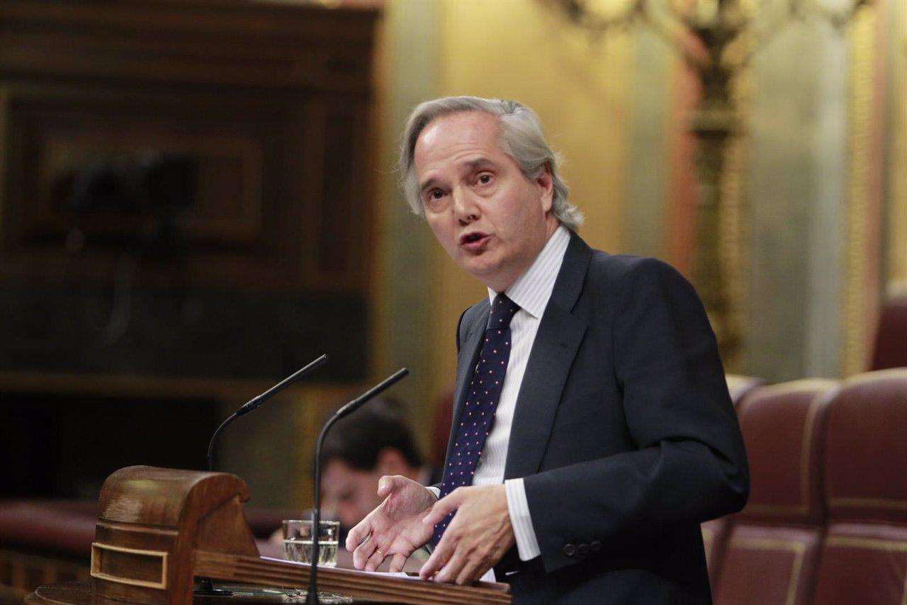 Pedro Gómez de la Serna, portavoz del PP en la Comisión Constitucional
