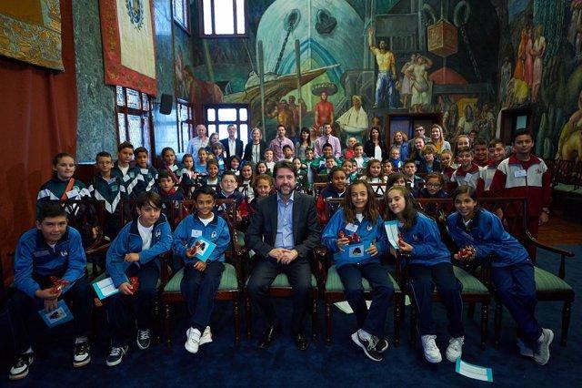Alonso, con los alumnos