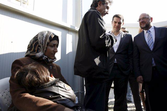 Schulz y Tsipras visitan el campamento de refugiados de Moria (Lesbos, Grecia)