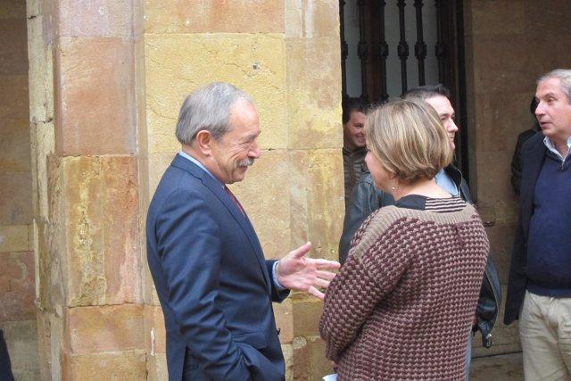 Wenceslao López, hablando con Ana Taboada